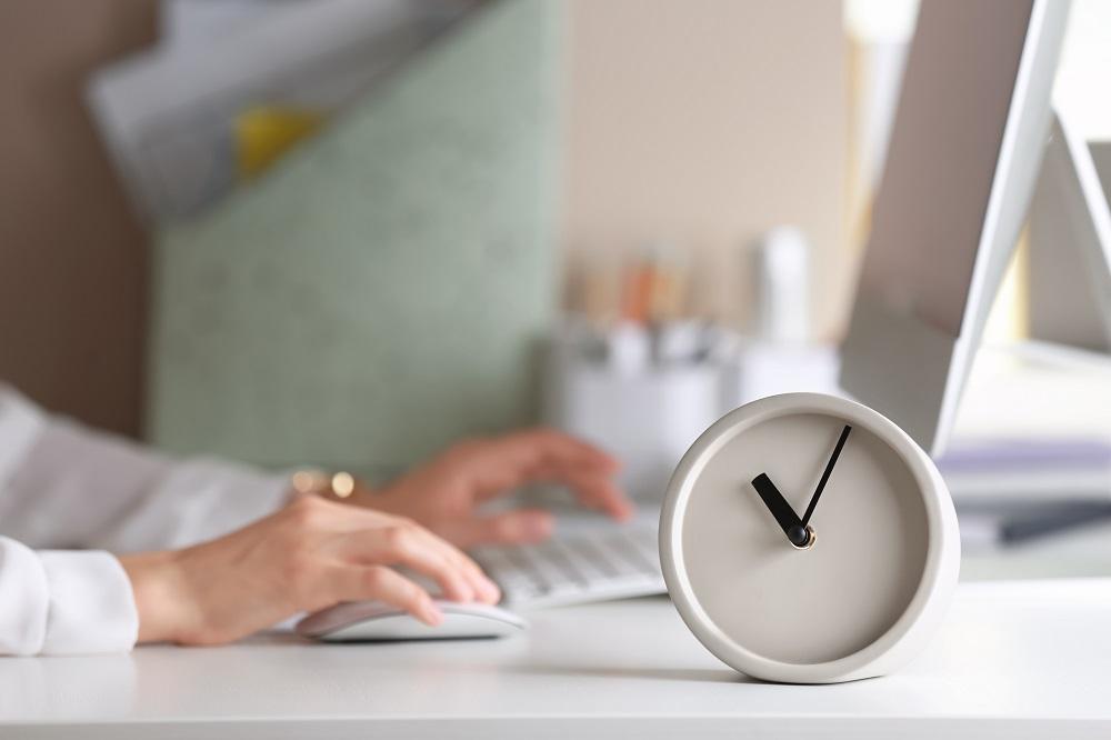 Consejero Legal jornada laboral intensiva verano asesoramiento