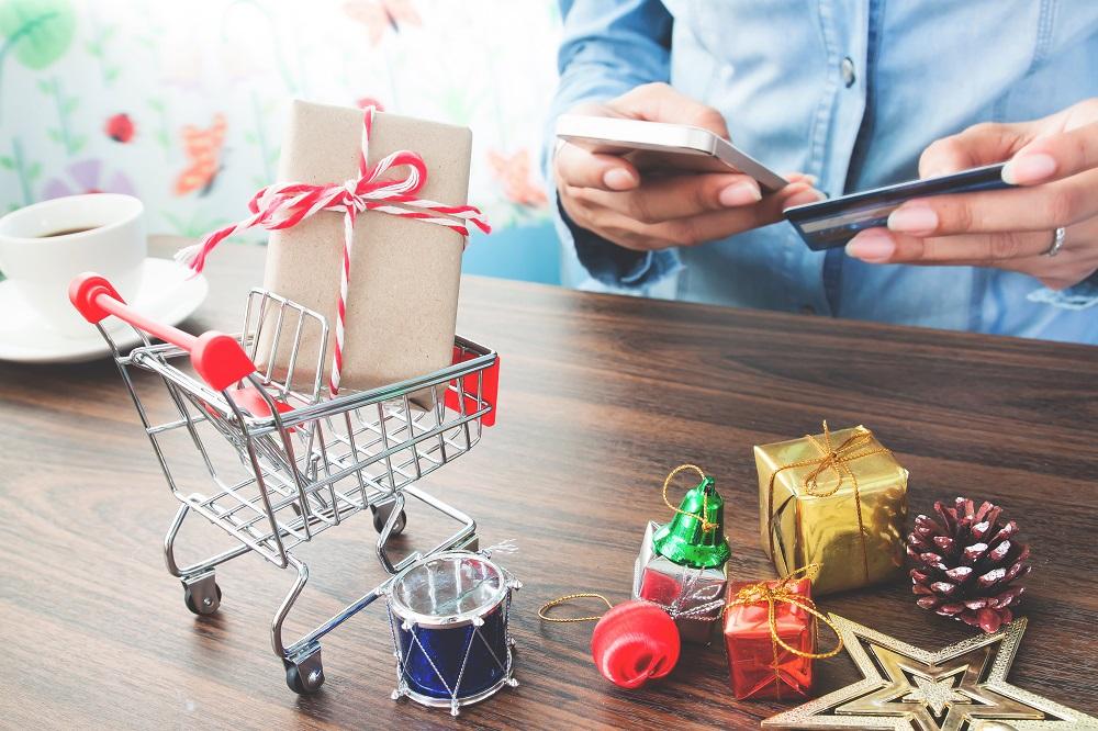 Presta atención y evita estafas en tus compras navideñas