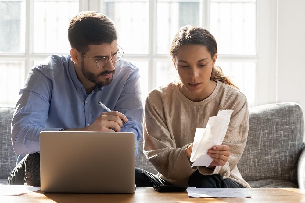 Consejero Legal ahorro gastos domésticos finanzas personales