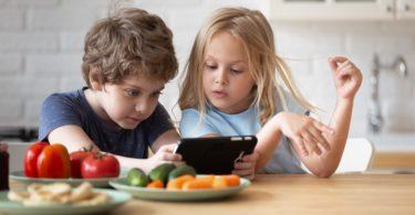 Consejero Legal riesgos digitales control parental ordenador conexión wifi